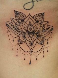 @westend.tattoo_wien #tattoo #linework tattoo #mandala tattoo #chain tattoo #kette tattoo #lotus flower tattoo #lotus blume tattoo Mandala Tattoo, Tattoo Linework, Flower Tattoos, Small Tattoos, Bulldogge Tattoo, Chain Of Flowers, Bild Tattoos, Piercing Studio, Picture Tattoos