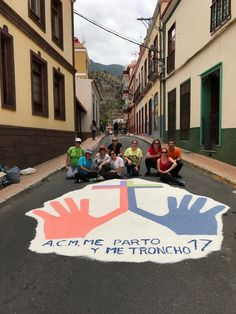 Grupo Mascarada Carnaval: Murga Me Parto y Me Troncho con las alfombras del ...