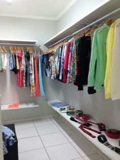 Instalações comercias loja de roupas