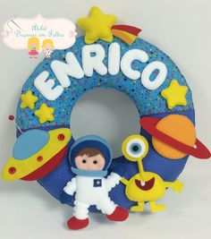 Guirlanda astronauta Kids Crafts, Fox Crafts, Diy Crafts For Gifts, Craft Stick Crafts, Felt Name Banner, Name Banners, Felt Crafts Patterns, Felt Bookmark, Felt Wreath