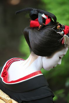 Japan. Maiko Kimika with her sakkou hairstyle which marks the two last weeks of beeing a maiko before turning into a geiko. Kyoto, Japan