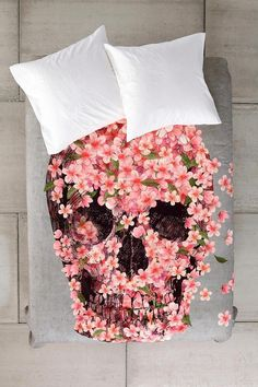 Terry Fan For DENY Reincarnate Duvet Cover - Urban Outfitters - honestly couldn't figure out what this was when I first saw it ! ( minus the pillows, duh ) - A reason to make your bed, or else. My New Room, My Room, Spare Room, Josie Loves, Duvet Covers Urban Outfitters, Deco Cool, Corpus, Terry Fan, Floral Skull