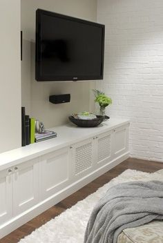 like the grilles on the cupboard