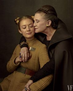 actor Carrie Fisher and daughter  Billie Lourd for Vanity Fair's Star Wars photo (2016). via pop sugar