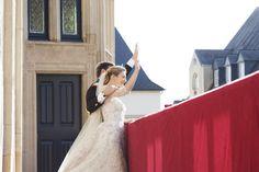 Os noivos aparecem na varanda