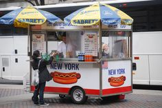 Street Photography: New York Hotdog Cart Vendor Go To New York, New York City, Times Square Restaurants, Street Vendor, Visiting Nyc, Ny Ny, Bucket List Destinations, Day Plan, Hot Dogs