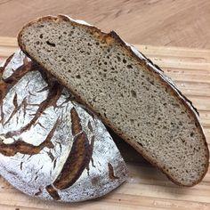 Endlich geht es online. Mein liebstes Brot, mein Standard, mein Mainbrot Ein kleines Wortspiel mit dem Brotnamen, da ich ja direkt am Main wohne.Soviel haben schon danach gefragt, deshalb wurdees…