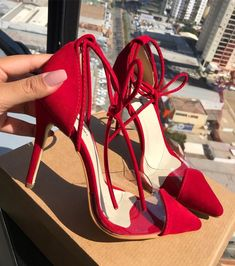 Image in shoes/heels collection by sαяα🥀 on We Heart It High Heels Outfit, Red Heels, Shoes Heels, Trendy Womens Sneakers, Womens High Heels, Fresh Shoes, Sneaker Heels, Prom Shoes, Pretty Shoes