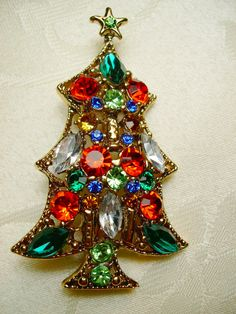 Vintage Christmas pin. These were worn a lot by the women who loved Christmas.