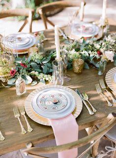 rustic wedding decor http://www.weddingchicks.com/2013/10/02/romantic-fall-wedding-ideas/