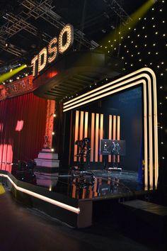Tv-decor in de kijker op VTM Tv Set Design, Stage Set Design, Game Room Design, 3d Studio, News Studio, Concert Stage Design, Warehouse Home, Television Set, Tv Sets