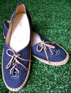 Flat shoes ikat warna biru harga Rp 45.000