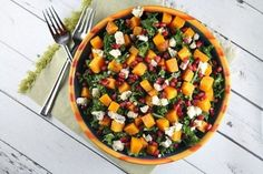 Kale Salad with Butternut Squash 14 Summery Salads That Prove Eating Healthy Can Be Delicious Kale Salad Recipes, Cooking Recipes, Healthy Recipes, Soup And Salad, Butternut Squash, Vinaigrette, Salads, Healthy Eating, Healthy Food