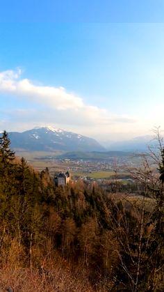 Eindrucksvolle Wanderung zur einzigartigen Einsiedelei oberhalb von Saalfelden mit Ausblick auf die umliegenden Berge. Besonders geeignet für Familien. Mountains, Nature, Travel, Traveling, Families, Alps, Hiking, Naturaleza, Viajes