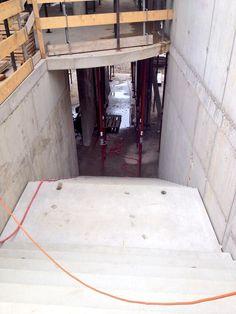Voorbereiden betonstort 2e Verdiepingsvloer. Contouren miniatrium & (half)ronde 'balkonnetjes' (11-07-2014).