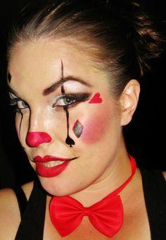 clown schminken augenschatten blau schwarz rpte fliege lippen herz
