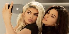 kendall jenner, kylie jenner, and sisters image Kendall Jenner Kylie Jenner, Trajes Kylie Jenner, Kyle Jenner, Kendall Jenner Outfits, Kourtney Kardashian, Kardashian Family, Kardashian Jenner, Kardashian Kollection, Le Style Du Jenner