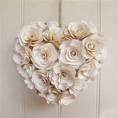 cute paper flowers from blissandbloom.com