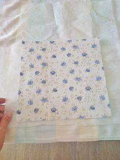 O cubo organizador de tecido é uma caixa quadrada feita somente de tecido própria para acomodar outros tecidos ou objetos que não tenham muito peso. É bastante utilizada como decoração, você pode c…