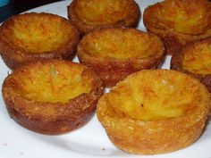 portuguese milk cajadas Recipe - Yummy this dish is very delicous. Let's make portuguese milk cajadas in your home! No Bake Desserts, Delicious Desserts, Dessert Recipes, Yummy Food, Cheesecake Desserts, Gourmet Desserts, Plated Desserts, Portuguese Desserts, Portuguese Recipes