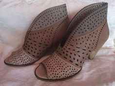 """django and juliette Leather Latte Low Ankle Boot/heels 39 Like New! """"Oshi"""" in Clothing, Shoes, Accessories, Women's Shoes, Heels Low Ankle Boots, Boot Heels, Heeled Boots, Latte, Wedges, Ebay, Accessories, Shoes, Women"""