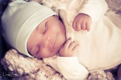 Newborn Photography. Creative Forest Photography.  www.creativeforest.squarespace.com