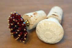 DIY bottle stoppers with Anthro knobs, cute wedding favour or holiday gift!