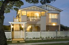 House Washing Experts in Carina, Brisbane, QLD, Cleaning Gate House, Facade House, House Facades, House Exteriors, House With Porch, House Front, Front Deck, Queenslander House, House Wash