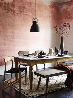 Loving this wintry look using our Red Grunge Watercolour wallpaper mural. As styled and featured by HouseBeautiful