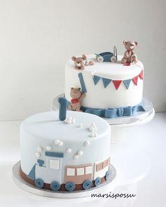 Kakkuja 1-vuotissynttäreille 🚂🐻 Täytteenä tummasuklaa- ja mansikkamousse. . . . #birthday #birthdaycake #kidscake #kidsparty #instacake #cakestagram #synttärit #synttärikakku #junakakku #lastenkakku #cakedesign #cakelove #tilauskakut #vuosaari #helsinki #marsispossu 2nd Birthday Photos, Baby First Birthday, First Birthday Parties, First Birthdays, Birthday Cake, Fondant Cakes, Birthday Decorations, Cake Toppers, Baby Cakes