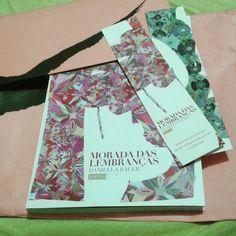 Chegou aqui #livro da @EditoraBiruta  junto com marcadores e uma cartinha!  #blogeuinsisto #instabook #book