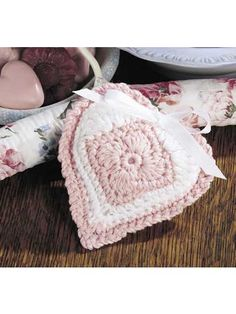 crocheted soft and sweet heart sachet-free pattern download