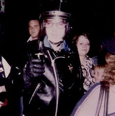 October 4, 1976 Outside Vicker's Gas Station at 3:30am on Elvis Presley Boulevard and returning back to Graceland Elvis and Linda Thompson Elvis greets fans,signs autographs and takes photos etc