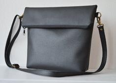 Black crossbody bag / Medium shoulder purse / Simple by reabags