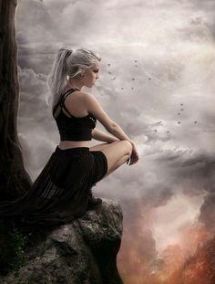 E seu olhar se perdeu no horizonte enquanto sua mente vagava pelo passado relembrando o que mais pesava em seu coração...