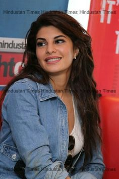 Bollywood actor Jacqueline Fernandez during an exclusive interview for the promotion of her upcoming film Brothers at HT Media Office on August Beautiful Bollywood Actress, Beautiful Actresses, Easy Casual Hairstyles, Bridal Boudoir Photography, Taapsee Pannu, Perfect Jeans, Bollywood Stars, Celebs, Celebrities