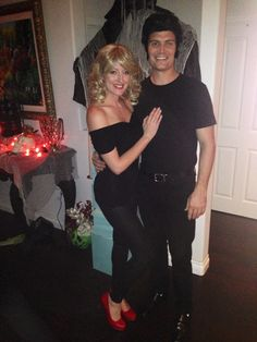 Diy sandy from grease halloween costume hair and makeup youtube sandy and danny diy grease costumes solutioingenieria Images