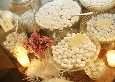 i confetti Confetti, Table Decorations, Furniture, Home Decor, Decoration Home, Room Decor, Home Furniture, Interior Design, Home Interiors
