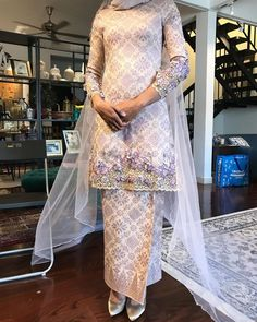 Beautiful long wedding dress by Davis Paul Lister DPLKL Muslimah Wedding Dress, Muslim Wedding Dresses, Dream Wedding Dresses, Wedding Attire, Bridal Dresses, Wedding Gowns, Wedding Hijab, Hijab Evening Dress, Hijab Dress