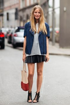 Mini skirt, sandals, and tote.