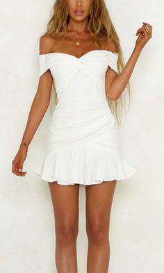 Outfits❤ weißes schulterfreies Rüschen-Minikleid The italian swimsuit industry confirms its own pres Hoco Dresses, Homecoming Dresses, Sexy Dresses, Cute Dresses, Evening Dresses, Casual Dresses, Fashion Dresses, Mini Dresses, Ootd Fashion