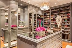 Closet Envy – 1010 Park Place Ideas De Closets, Closet Ideas, Closet Built Ins, Shoe Closet, Closet Space, Girl Closet, Dressing Room Closet, Dressing Rooms, Dream Closets