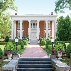 Rose Hill: A little landscaping TLC brought this 1909 Georgia beauty back to life