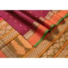 The #traditional #maroon with a rust border and the #additional thread border on the border and pallu are so #intricate!