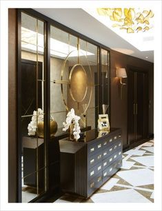 Modern Hallway Ideas from the Best Interior Designers Classic Interior, Best Interior, Luxury Interior, Luxury Furniture, Furniture Design, Home Design, Modern Hallway, Modern Stairs, Contemporary Interior Design