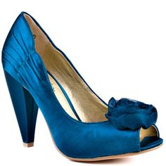 Official Bridesmaid shoes.. teal seychelles (much greener in person)