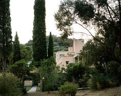 "'The villa vue depuis le jardin north, Villa Noailles © Cyrille Weiner, 2009' - Festival of Hyères, Hyères, France. Source: electromode-electromode. ""Villa Noailles is an early modernist house, built by architect Robert Mallet-Stevens for art patrons Charles and Marie-Laure de Noailles, between 1923 and 1927. It is located in the hills above Hyères, in the Var, southeastern France."" #blueness"