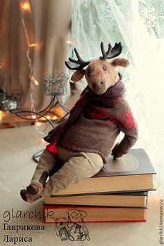 Love the clothing. Such detail. Great artist creation – Source by chyeyanne Antique Teddy Bears, Handmade Stuffed Animals, Rena, Teddy Toys, Cute Teddy Bears, Bear Doll, Cute Toys, Soft Dolls, Felt Toys