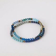 Prachtig geregen armbanden met Swarovski kralen. Prachtig subtiel. De kralen zijn van Swarovski® Elements.   http://www.widaro.nl/swarovski-blauwe-armbanden-3370.html