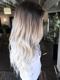 Brown Ombre Hair, Brown Blonde Hair, Platinum Blonde Hair, Brown Hair Colors, Dark Roots Blonde Hair Balayage, Icy Blonde, Beach Blonde, Long Ombre Hair, Blonde Braids